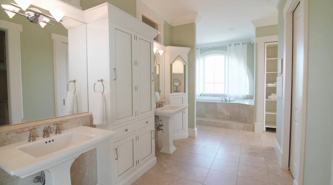 31 Interior Design Photos vs. 221 Ocean Marsh Rd, Kiawah Island, SC Luxury Home Tour