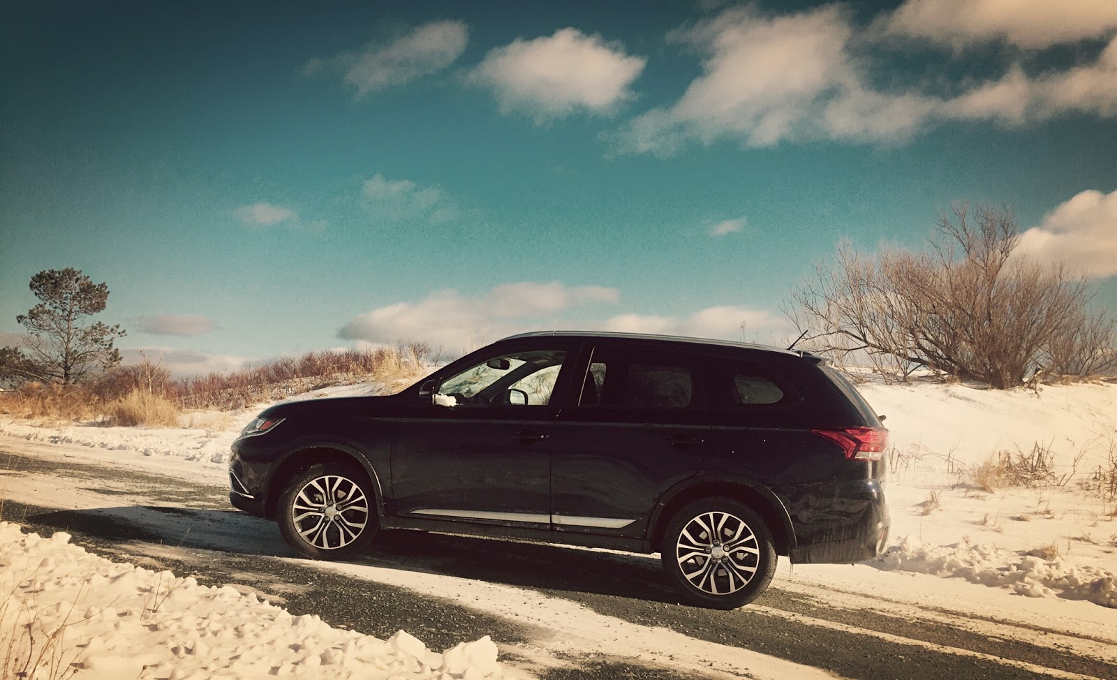 2016 Mitsubishi Outlander ES AWC Review – The Best Version