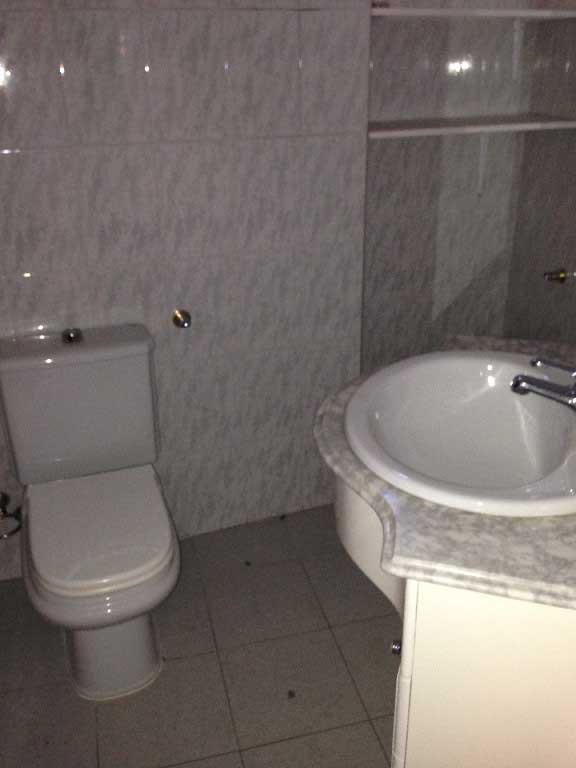piso en venta calle de la trinidad almazora wc