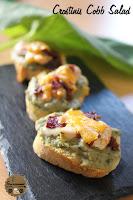 http://goulucieusement.blogspot.fr/2014/08/crostinis-comme-une-cobb-salad.html
