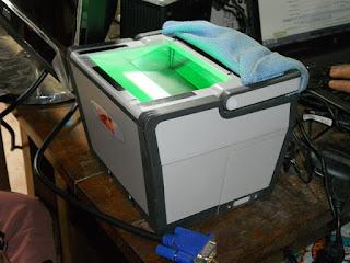 आधार कार्ड के लिए अंगुलियों के निशान लेने का यंत्र