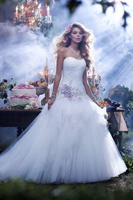 vestido noiva princesa disney wedding dress  aurora bela adormecida lindo simples flor floral tomara que caia maravilhoso