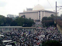 "DPR: Kapolda Metro ""Overakting"" dengan Umat Muslim di 112 Mirip TNI Era 70-an"
