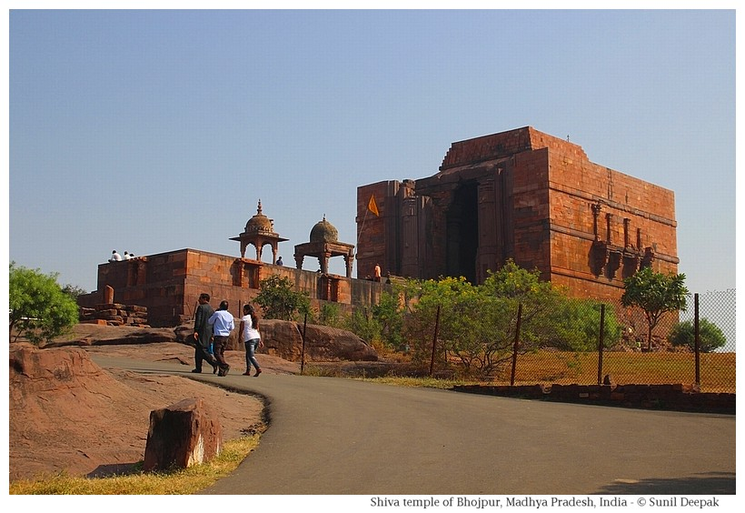 Shiva temple, Bhojpur, Madhya Pradesh, India - Images by Sunil Deepak