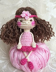 http://www.ravelry.com/patterns/library/cute-amanda---the-little-dolly
