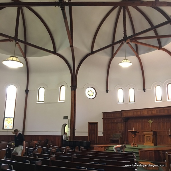 interior of Circular Congregational Church in Charleston, South Carolina