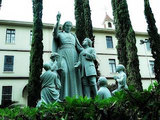 Estátua do Centro Educacional La Salle, Canoas