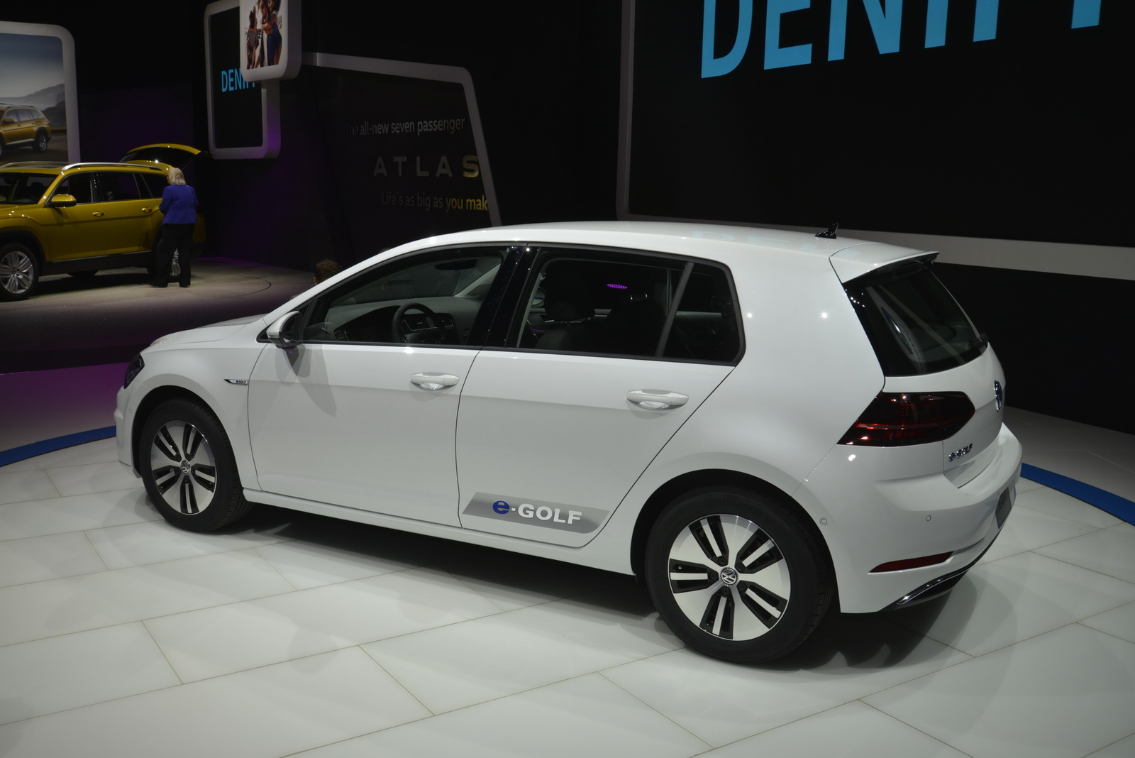 Electric Motor Manufacturer Volkswagen E Golf Kenwood Kdc 352u Wiring Diagram New Vw Becomes More Usable With Longer