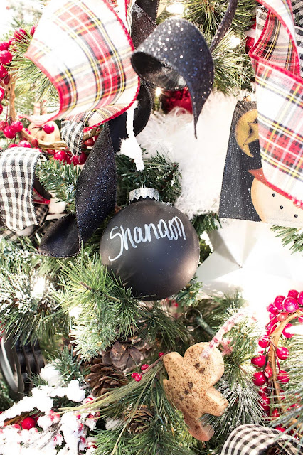 chalkboard christmas ornaments diy