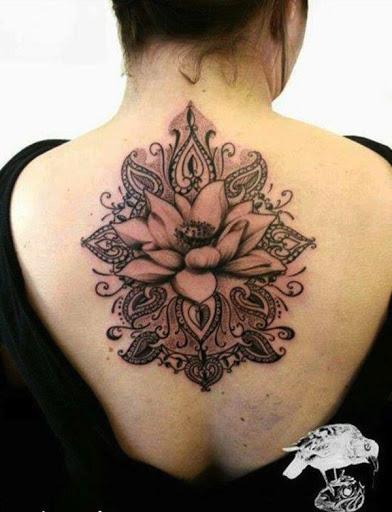 Flor de lótus da Tatuagem nas Costas