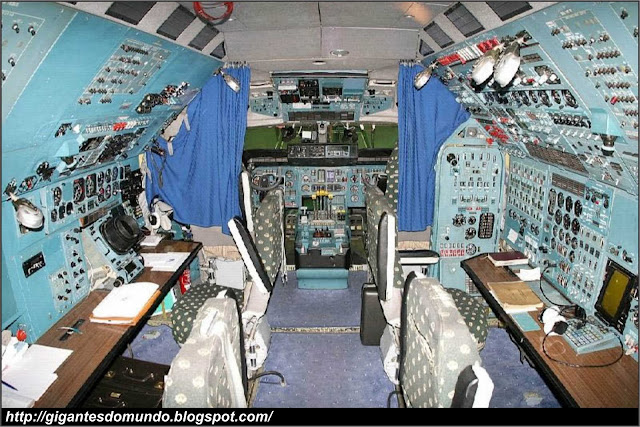 Cabine do Antonov An-225
