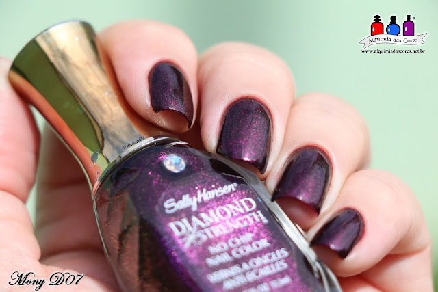 Sally Hansen,Private I, Be Jeweled, Diamond Strenght, glass flecks, glitter, lilás, rosa, magenta, ameixa, roxo, Gem Crush, Mony D07, Alquimia das Cores, Nail Art, mani tape, Anel de esmalte,