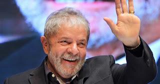 Lula dispara cinco pontos e lidera corrida presidencial
