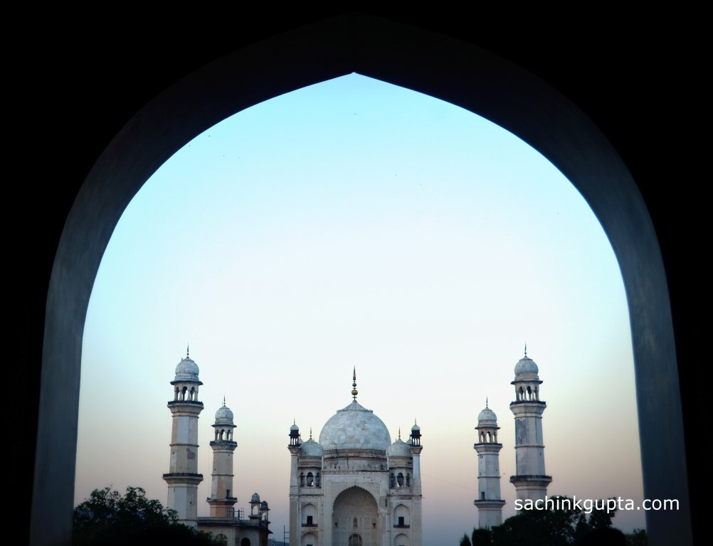 Bibi Ka Maqbara (Tomb of the Lady) in Aurangabad ~ LENS ...
