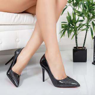 Pantofi Madona negri eleganti piele lacuita