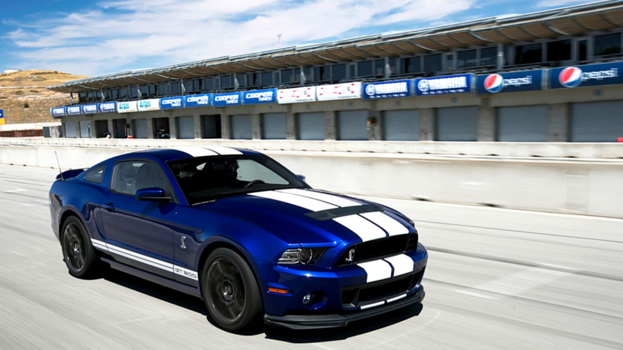 2010 Ford Shelby Gt500 Reviews And Rating Motortrend