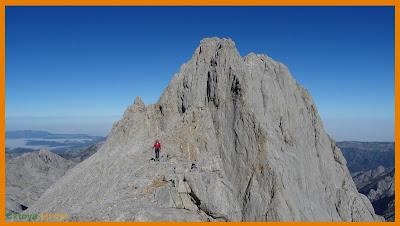 Bajando del Neverón de Urriellu en Picos de Europa
