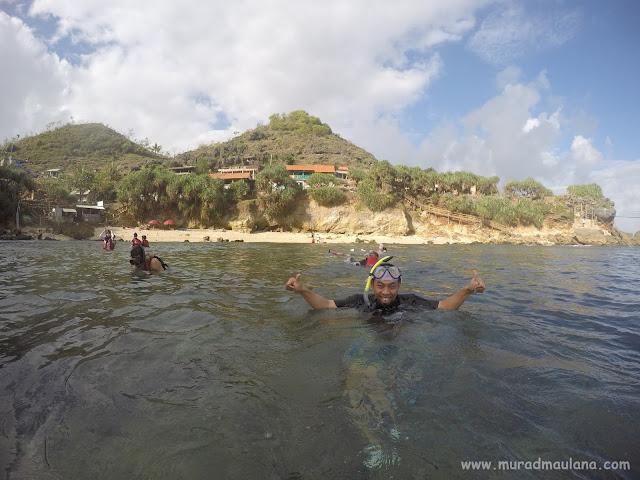 Saya Snorkeling di Pantai Nglambor 10
