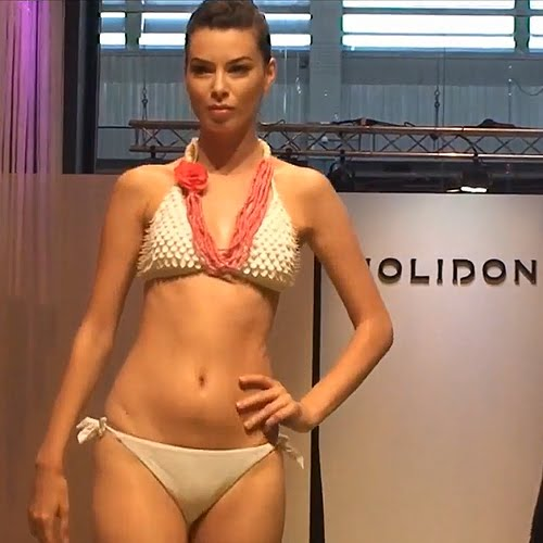 Fürdőruha - Bikini Divat  White Hot Trend - a fehér trend 2012 ... 0b611b8fd8