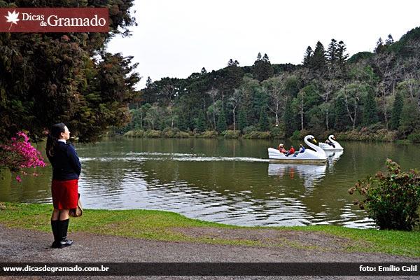 Aline encontrando a paz no Lago Negro