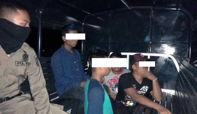 Empat pemuda diciduk saat pesta miras
