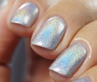 http://natalia-lily.blogspot.com/2014/06/holographic-nail-polish-lakier-do.html