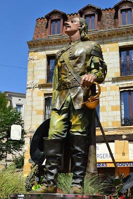 シラノ・ド・ベルジュラック シラノ像 フランスの偉人 フランスの著名人