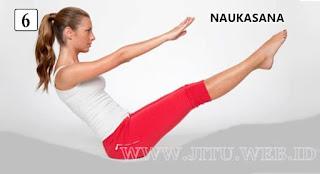 Yoga Naukasana untuk hilangkan perut buncit.