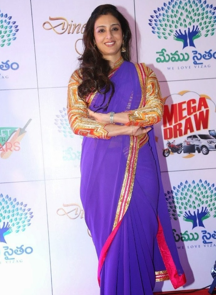 Tabu Hot Photos In Blue Saree At Memu Saitam