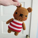 https://translate.googleusercontent.com/translate_c?depth=1&hl=es&rurl=translate.google.es&sl=en&sp=nmt4&tl=es&u=http://hellohappy.net/post/free-crochet-pattern-chubby-striped-bear/&usg=ALkJrhiCW853w33GhmgnSs5kILzPtHT9aQ