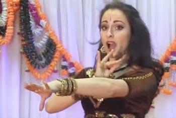 Laila Main Laila, Indian Dance Group Mayuri, Russia