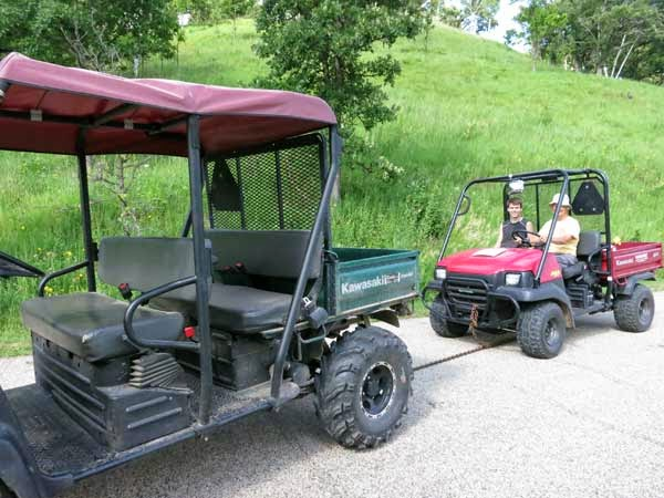 Tom's Blog: Towing the broken down red Mule