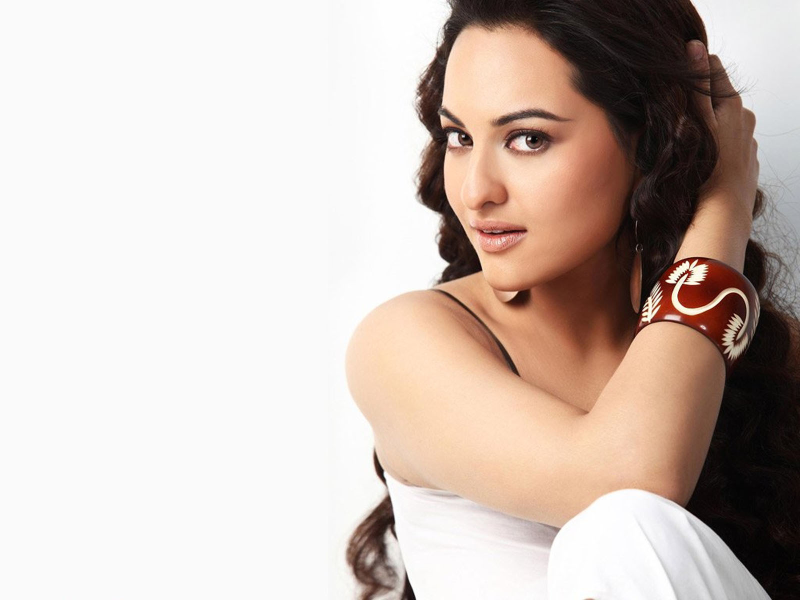 sonakshi sinha latest hd wallpapers - photo #9