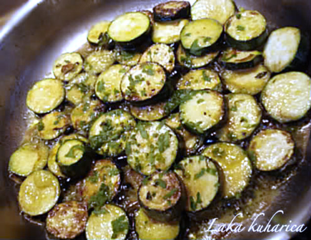 Gilt-head bream with courgettes by Laka kuharica: sauté in hot butter