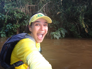 passando pelo rio em XC Run Itaipava 2015