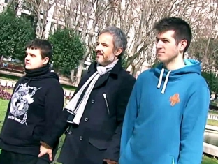 http://www.lasexta.com/noticias/cultura/cervantes/chuty-arkano-dos-raperos-enfrentados-increible-batalla-gallos-homenaje-cervantes_2016030100248.html
