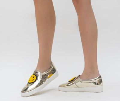 Espadrile fete aurii din piele lacuita