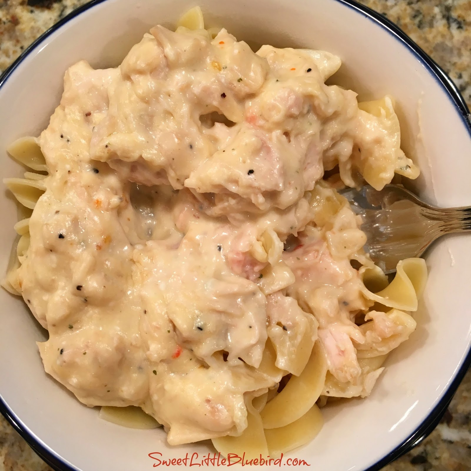 Sweet Little Bluebird: Easy Slow Cooker Chicken Stroganoff