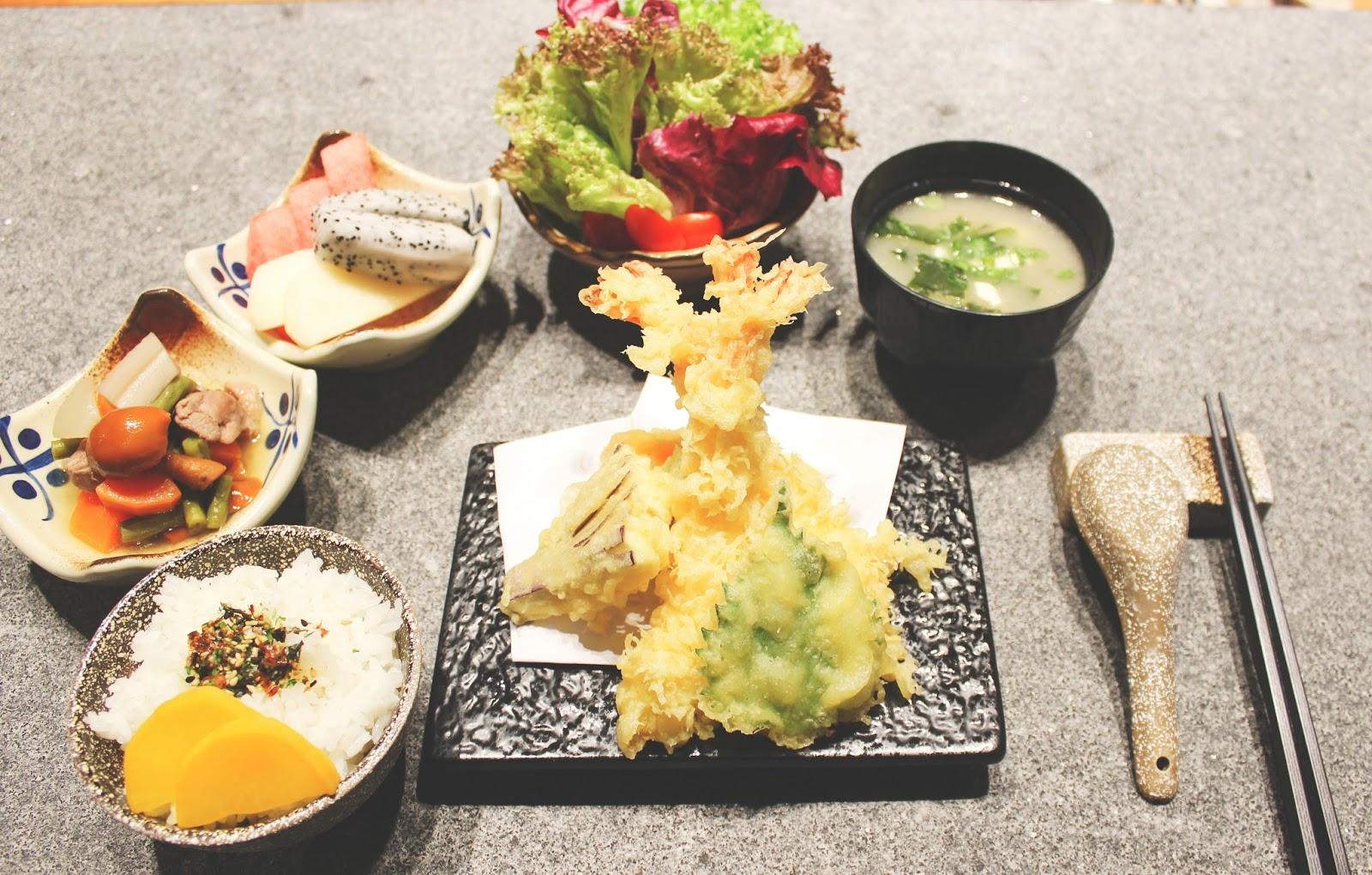 Tgm japanese korean cuisine terminal 2 singapore changi for Asian cuisine singapore