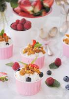 Frutos rojos con balsámico y galletas speculoos