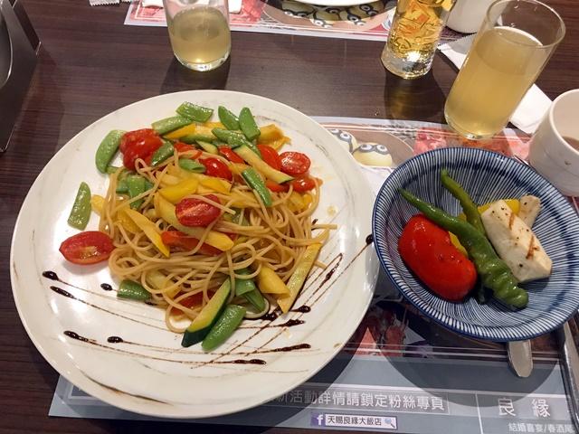 天賜百匯~新莊葷素buffet吃到飽、天賜良緣大飯店