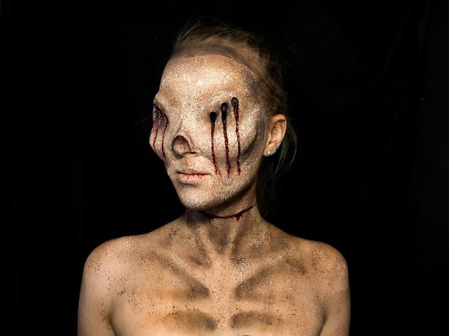 12-Lara-Wirth-Armageddon-Painted-Turning-into-Monsters-with-Body-Painting-www-designstack-co