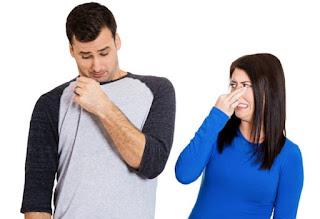 bau kaki dan bau mulut antar pasangan