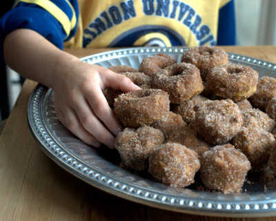 Baked Pumpkin Donuts and Donut Holes ♥ AVeggieVenture.com, cake donuts warm with spices, coated with buttery sugar. A really special fall treat. Recipe, insider tips, nutrition and Weight Watchers points included.