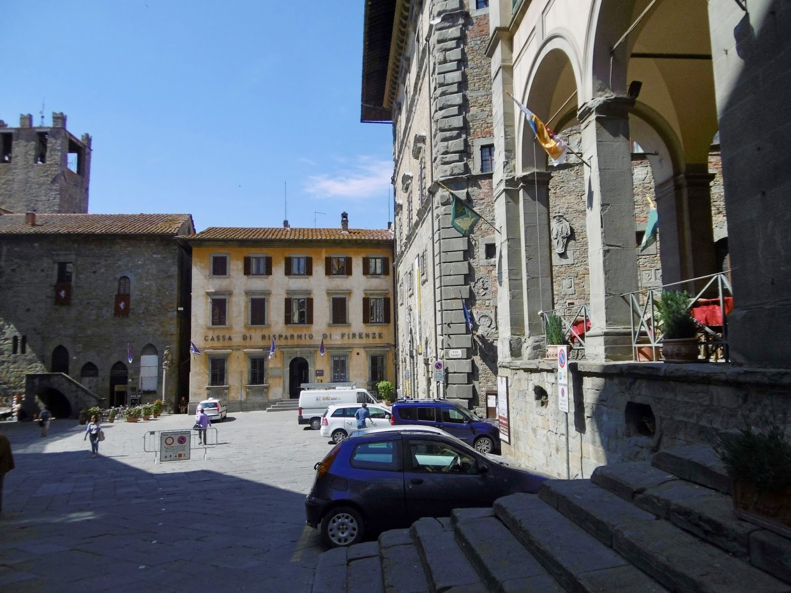 The main square in Cortona, Italy, Cal McTravels