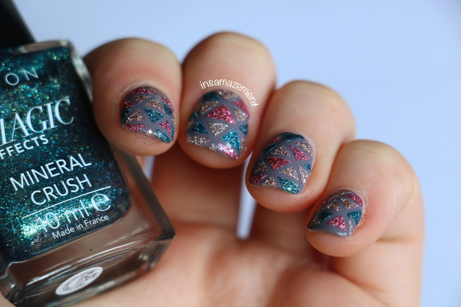In Samazement Triangle Glitter Nail Art Tutorial