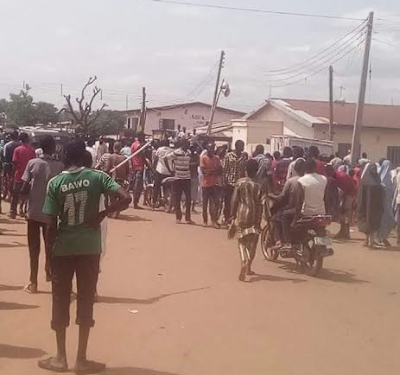 Shi'ites, Youths clash in Kaduna (photos)