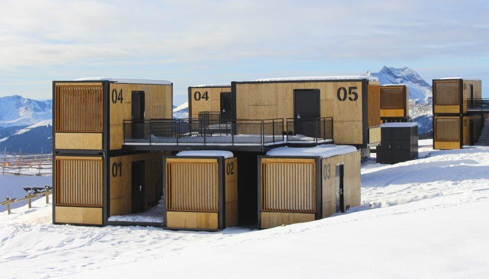 08-Enjoy-the-Snow-Ora-ïto-Recycled-Architectural-Container-Hotel-Flying-Nest-www-designstack-co