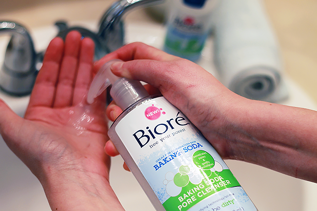 Pore cleansing regimen with Bioré Baking Soda Pore Cleanser
