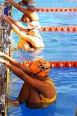 1.Posisi tubuh saat melakukan start gaya bebas adalah …A.Berada...